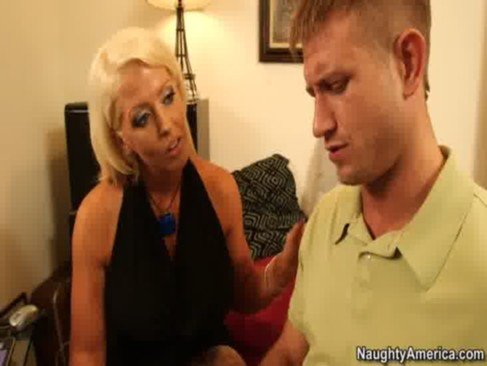 breasty cougar alura jenson pays tech guy by