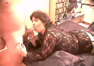 mature wife sucks dick